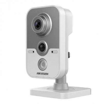 Видеокамера Hikvision DS-2CE38D8T-PIR